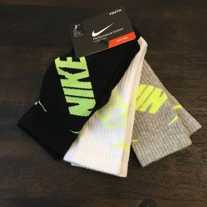 New Nike Performance cotton Cushioned socks 3 pair
